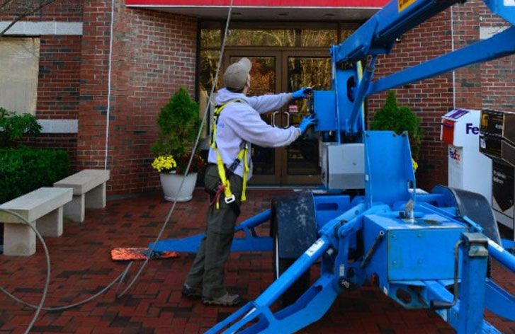 Professional-Exterior-Cleaning-Staff-in-Framingham